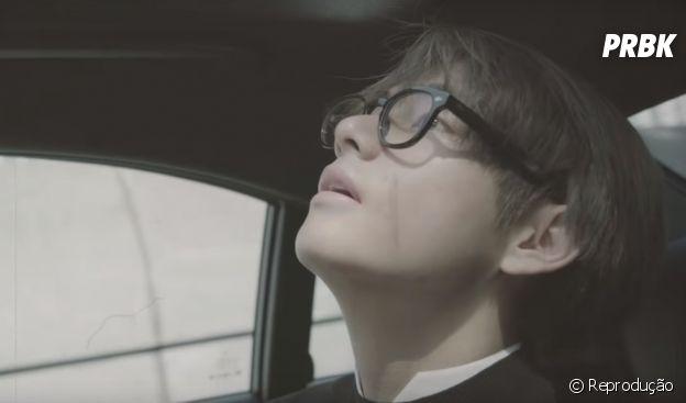 """Kim Taehyung, o V, lança música solo com direito a MV. Ouça """"Winter Bear"""""""