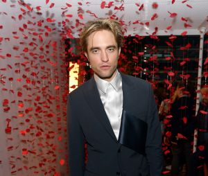 Kristen Stewart diz que Robert Pattinson é perfeito para interpretar Batman
