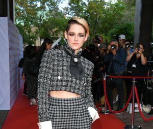 """Kristen Stewart diz que não negaria um papel ao lado de Robert Pattinson em """"The Batman"""""""