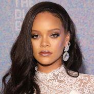 """Rihanna corre o risco de ser """"cancelada"""" após vender casacos com pele de animal. O que você acha?"""