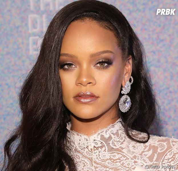 """Rihanna pode ser a futura """"cancelada"""" após vender roupas com pele de animais"""