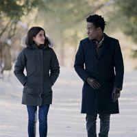 """Listamos as 5 diferenças do filme """"Deixe A Neve Cair"""" para o livro no Marca Página deste mês"""