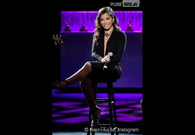 Anitta chama a atenção durante participação no Grammy Latino 2014