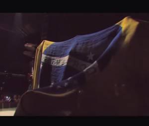"""A banda de reggae SOJA conta com a participação do cantor Falcão no clipe para a música """"Everything Changes"""""""