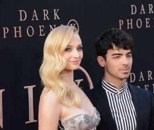 Sophie Turner não era fã dos Jonas Brothers na adolescência