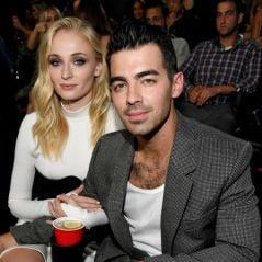 Sophie Turner revelou que não gostava de Jonas Brothers quando era mais nova