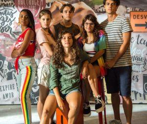 """""""Malhação"""": Rita (Alanis Guillen) e Lígia (Paloma Duarte) chegam a um acordo"""