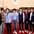BTS posa no tapete vermelho do Billboard Music Awards 2018