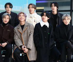 """BTS posa nos bastidores do """"Today Show"""", em 2020"""