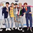 BTS posa no tapete vermelho do American Music Awards 2017