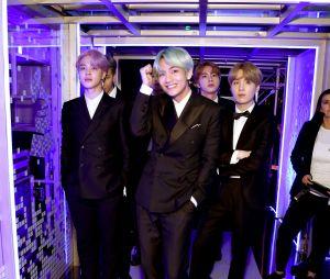 BTS posa nos bastidores do Grammy Awards 2019