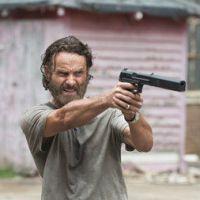"""Na 5ª temporada de """"The Walking Dead"""": Rick ameaça a vida de alguém!"""
