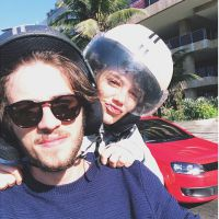 Chay Suede posta foto de Laura Neiva no Instagram e elogia a namorada
