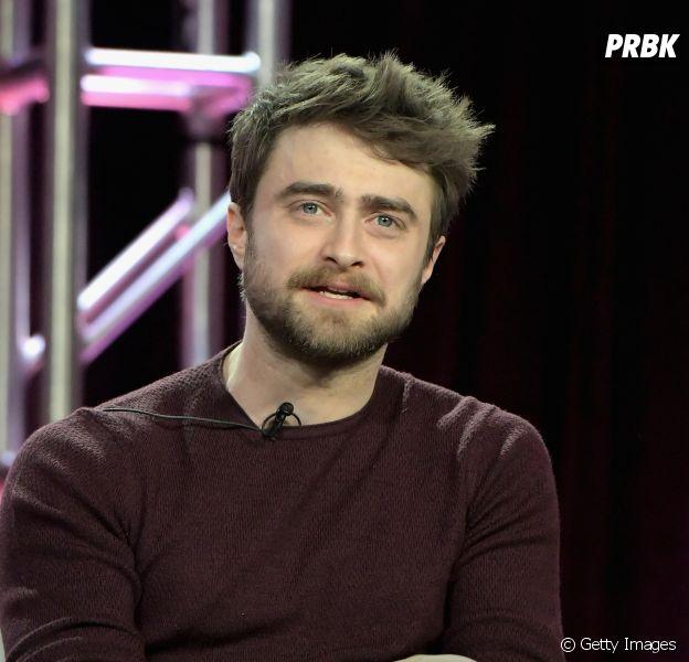 """Daniel Radcliffe e outros famosos se reúnem em projeto de leitura de """"Harry Potter e a Pedra Filosofal"""""""
