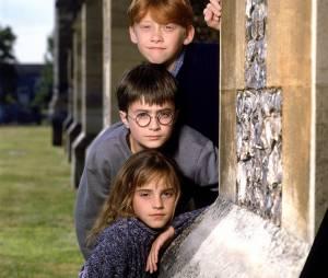 """Famosos irão ler """"Harry Potter e a Pedra Filosofal"""" para novo projeto de J.K. Rowling"""