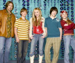 """""""Hannah Montana"""" e outros seriados voltam à programação do Disney Channel em maio"""