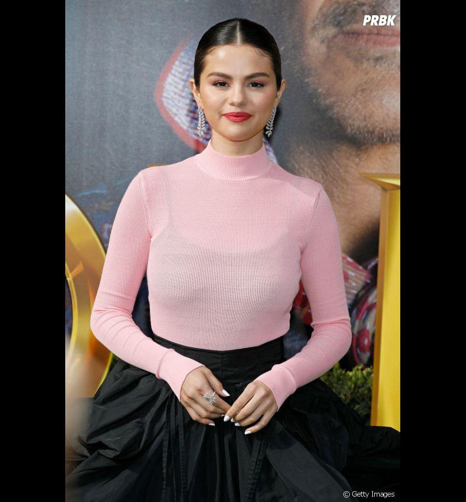 """Selena Gomez lançou """"Same Old Love"""" em 2015, como uma das faixas do álbum """"Revival'"""