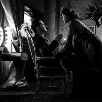 """Saíram as primeiras imagens do episódio em preto e branco da 5ª temporada de """"Lucifer"""""""