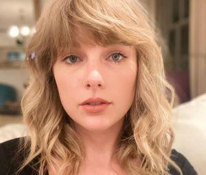 """Taylor Swift revela álbum com regravações e 6 músicas inéditas que foram excluídas do disco """"Fearless"""""""