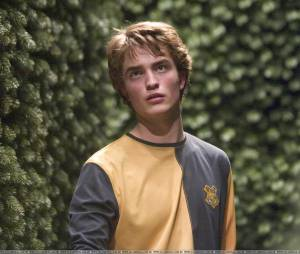 Quiz Robert Pattinson: descubra qual personagem do ator te chamaria pra sair