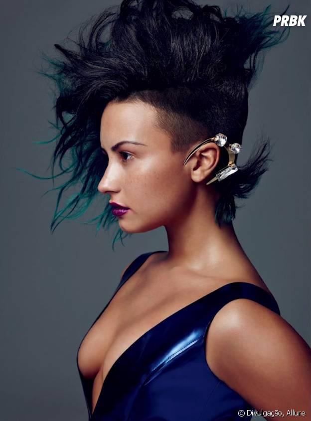 Demi lovato é clicada sensual e roqueira ao mesmo tempo! A cantora arrasou, não?