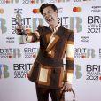Harry Styles usando uma bolsa no Brit Awards é tudo o que você precisa ver hoje
