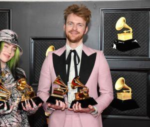 Billie Eilish e seu irmão Finneas ganharam vários Grammy's na cerimônia de 2021