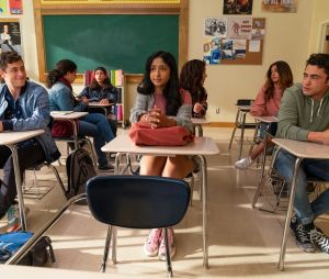 Na 2ª temporada de 'Eu Nunca', Devi vai ficar dividida entre Paxton e Ben