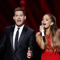 Ariana Grande canta música de Natal ao lado de Michael Bublé em especial de TV