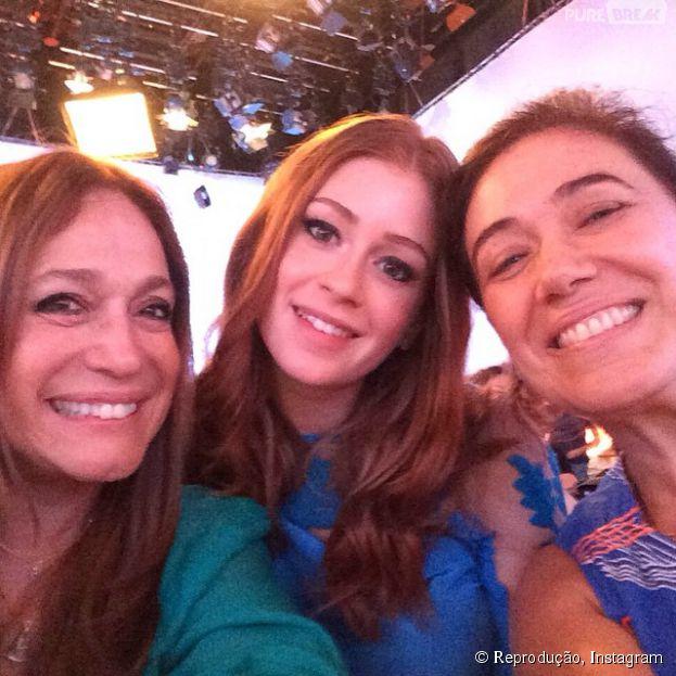 Marina Ruy Barbosa tira foto ao lado de Lilia Cabra e Susana Vieira