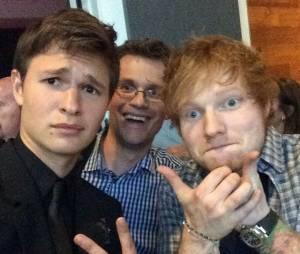 Que tal a selfie de Ansel Elgort e Ed Sheeran?