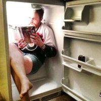 Whatsapp de Verão: 14 imagens para compartilhar no app que provam que o calor está de matar!
