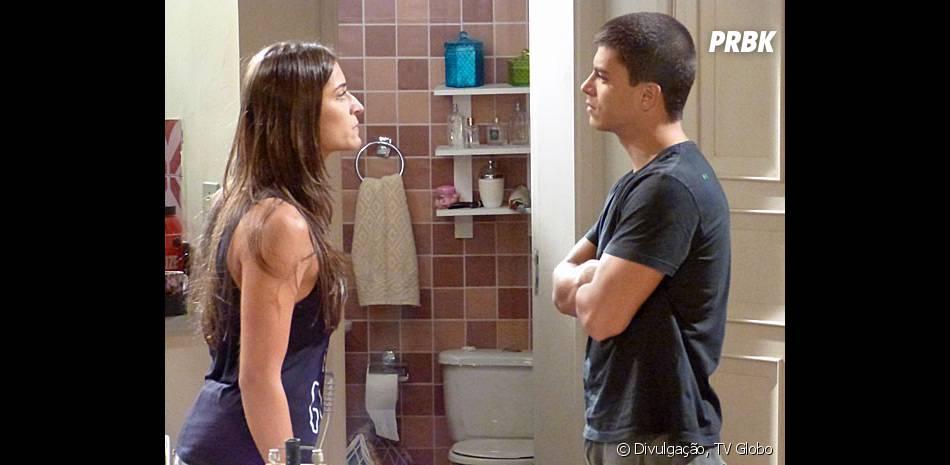 """Em """"Malhação"""", Nat (Maria Joana) se irrita com a indecisão de Duca (Arthur Aguiar)"""