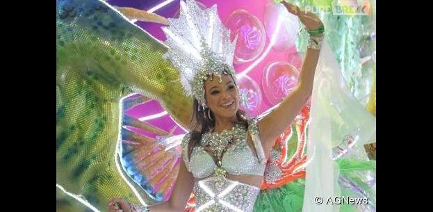 Bruna Marquezine desfilou em 2013 pela Grande Rio