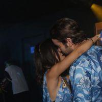 """Manu Gavassi beija Chace Crawford, de """"Gossip Girl"""", e mostra que é poderosa no Carnaval do Rio"""