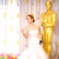 """Jennifer Lawrence perde o controle e grita com fotógrafos na première de """"Jogos Vorazes: Em Chamas"""""""