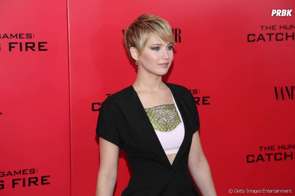 Jennifer Lawrence aposta em looks assinados pela grife Christian Dior para pisar nos tapetes vermelhos