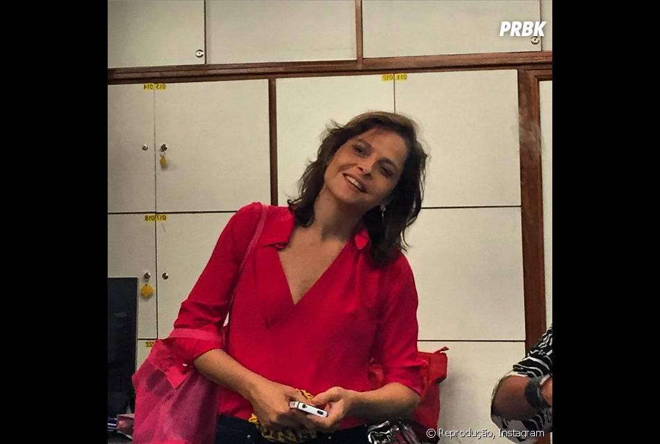 """Alexandre Nero publica foto de Drica Moraes, que passou para visitar a galera """"Império"""" nos bastidores de gravações do último capítulo"""