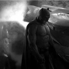 """De """"Batman V Superman"""": Ben Affleck precisa de 6 pessoas para colocar uniforme do herói!"""