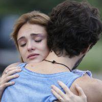"""Novela """"Sete Vidas"""": Júlia (Isabelle Drummond) conta para Pedro que eles não são irmãos!"""