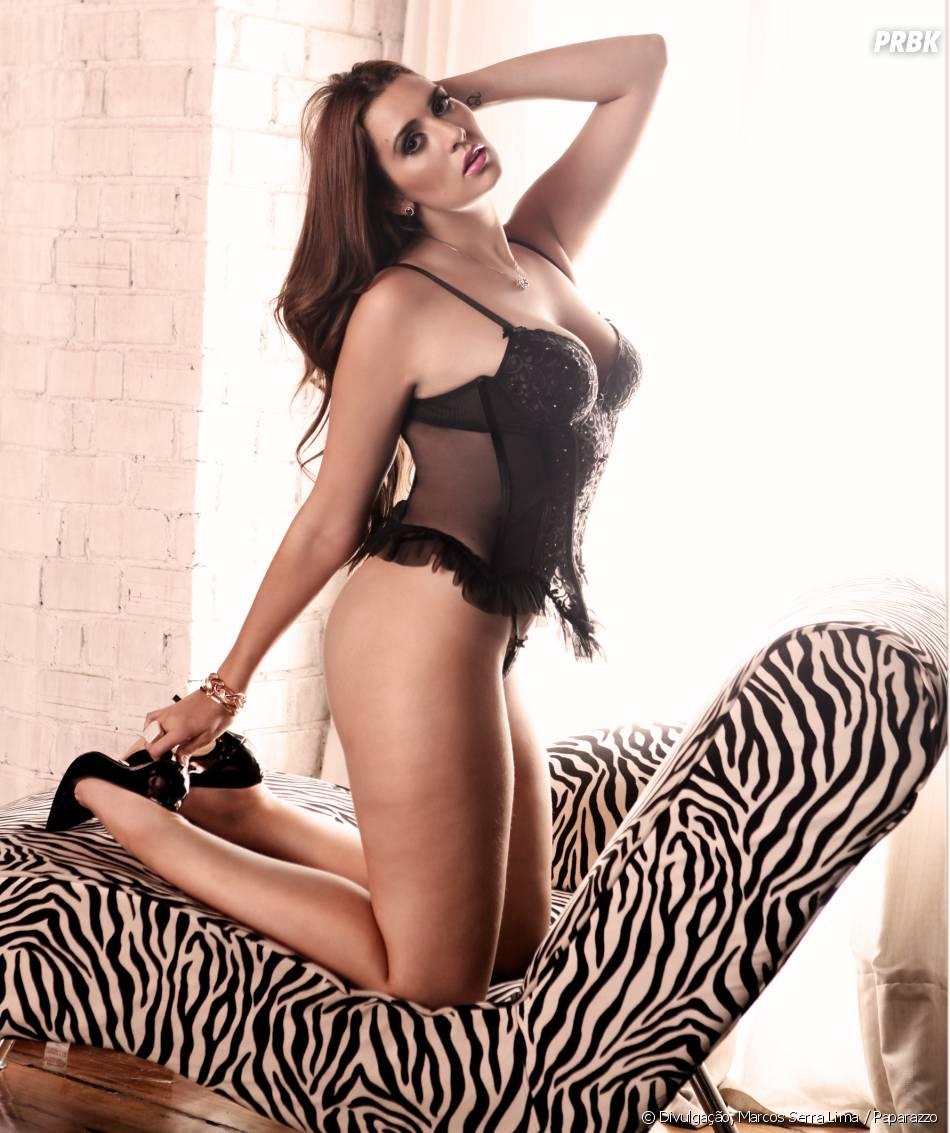 Amanda E Andressa Nuas ex bbb15 tamires mostrou sua sensualidade para as câmeras do