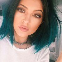 Kylie Jenner, Bruna Marquezine, Demi Lovato e mais: cabelo colorido é tendência entre as famosas!
