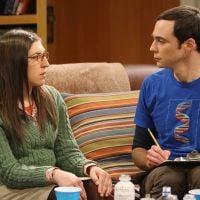 """Em """"The Big Bang Theory"""": no final da 8ª temporada, Amy coloca Sheldon contra a parede!"""