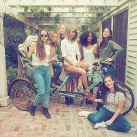 Taylor Swift reúne Calvin Harris, Ellie Goulding, Lorde e mais amigos famosos em festa em sua mansão
