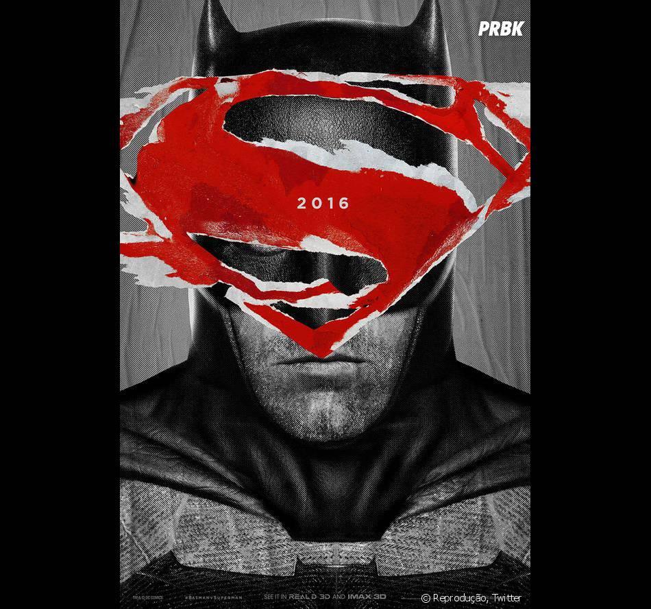 """Recentemente, o diretor Zack Snyder divulgou novos cartazes de """"Batman V Superman: A Origem da Justiça"""", em sua conta no Twitter"""