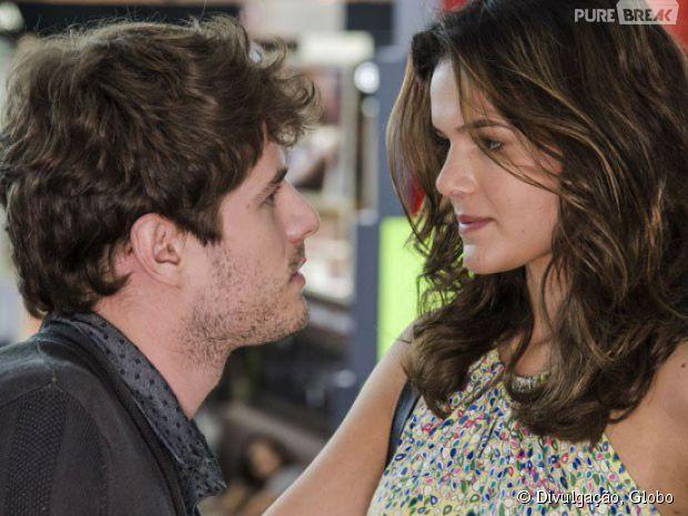 """Mari (Bruna Marquezine) e Benjamin (Maurício Destri) vão transar pela primeira vez em """"I Love Paraisópolis"""""""