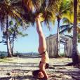 Giovanna Lancellotti mantém a boa forma com atividades varias. Entre elas, yoga!