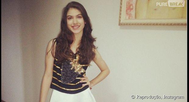 """Destaque em """"Chiquititas"""", Giovanna Grigio também se espelha nas modelos para compor os seus looks"""