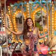 Anitta arranca elogios de fãs em fotos no parque de diversões