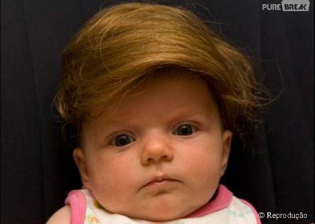 Enquanto os cabelos não crescem, que tal essa peruca para bebês?